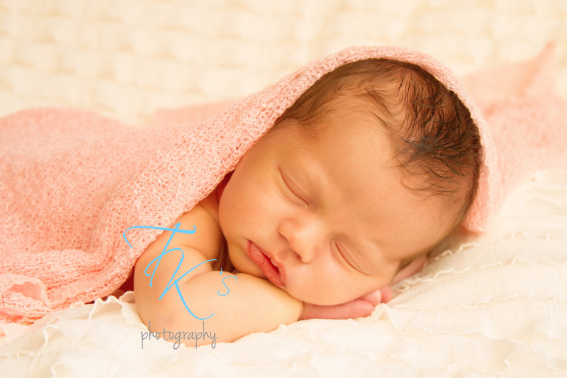 Thumbnail image for Emmey {12 days new} Launceston newborn photographer