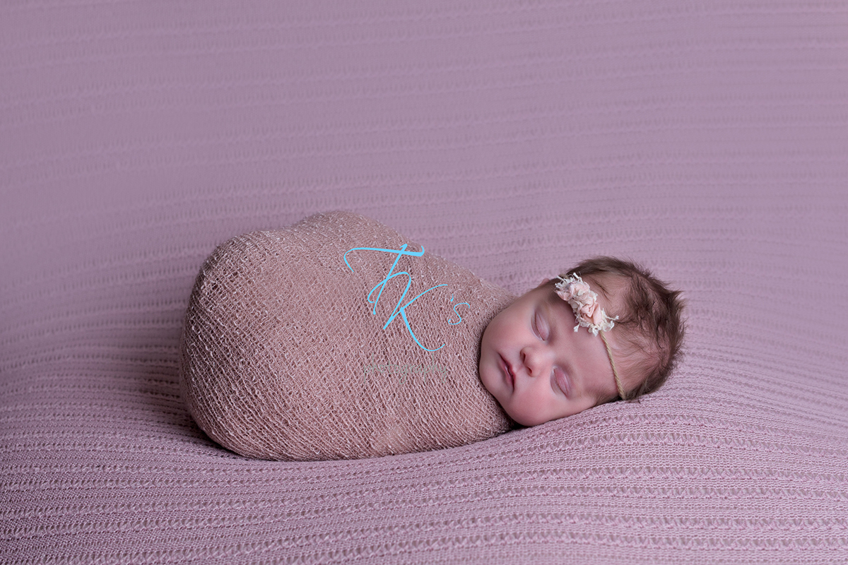 Post image for Violet 16 days newborn photography