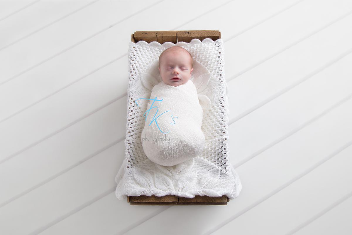 Post image for Eli – 8 days – Launceston newborn photography