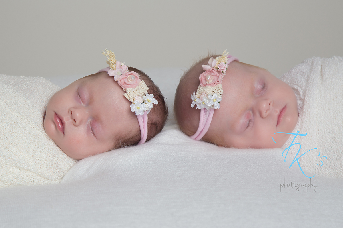 Post image for Frankie & Georgie newborn twin girls Launceston