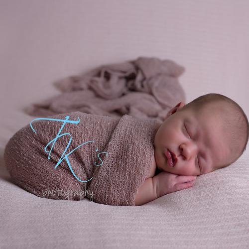 Thumbnail image for Cleo – newborn photoshoot